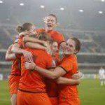 Oranje vrouwen naar WK