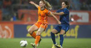 Oranje vrouwen winnen van Schotland