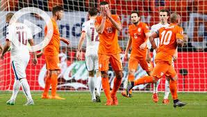 Oranje vernederd en niet naar EK 01