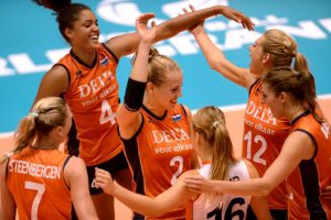 Volleybal EK dames 03 en heren 01 2015 01