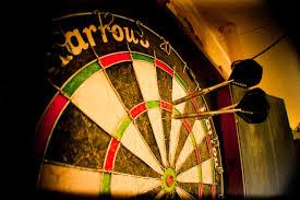 Darts Premier Leaugue 2016 05 van Gerwen pakt koppositie logo darts
