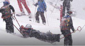 Skien Lindsey Vonn op de brancard in Soldeu27 febr 2016