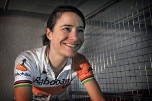 Wielrennen Marianne Vos weet weer wat juichen is 01