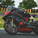 Superbikes rijden op het TT circuit in Assen