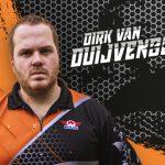 De Nederlandse darter Dirk van Duijvenbode